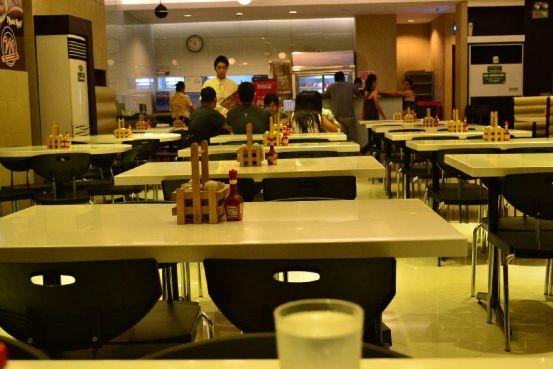 Mandarin Tea Garden - Tables
