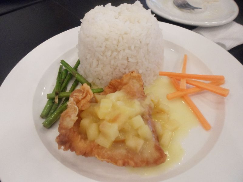 Cream-Dory-with-Apple-Sauce