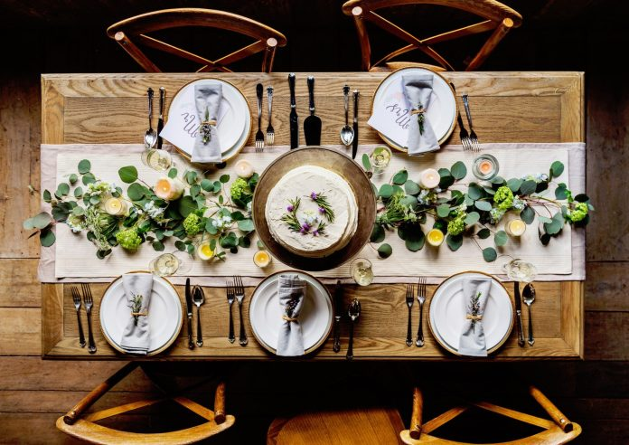 Proper dining etiquette for everyone