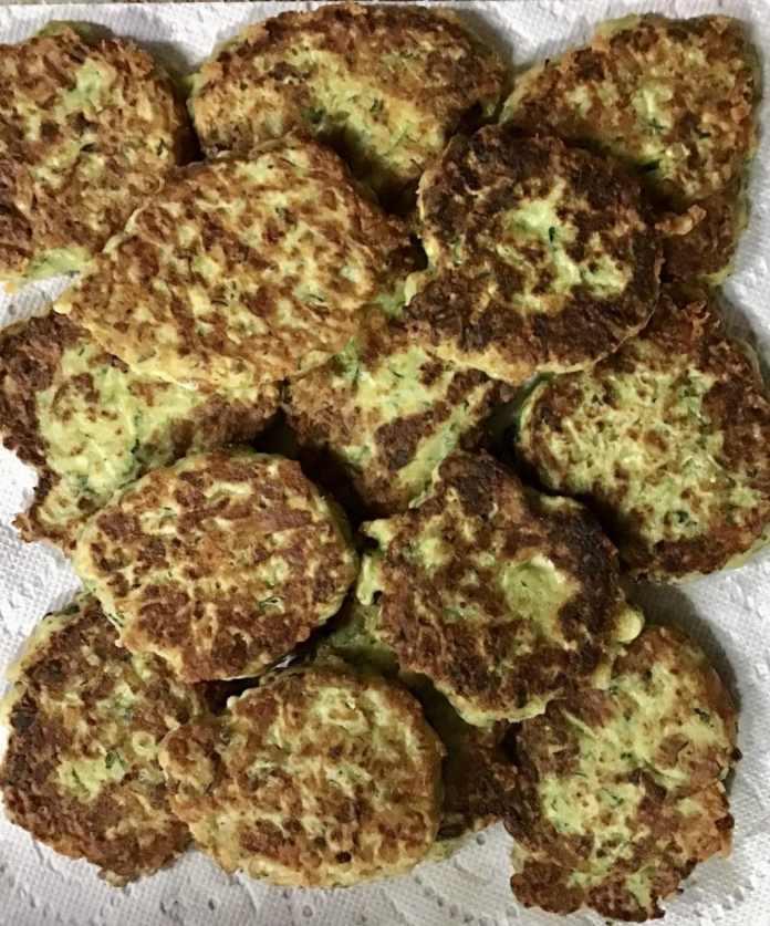 zucchini Gouda cakes