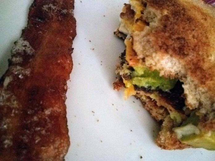 Mama's Delicious (semi-healthy) breakfast sandwich