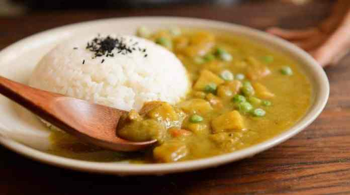 Slow Cooker Mango Chicken Curry