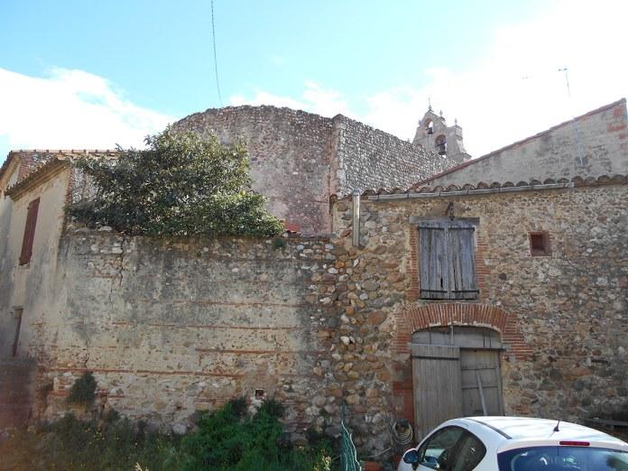 Domaine Treloar, Restes de muralles