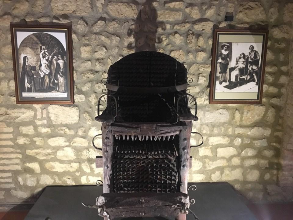 la sedia dell'inquisizione - museo della tortura volterra