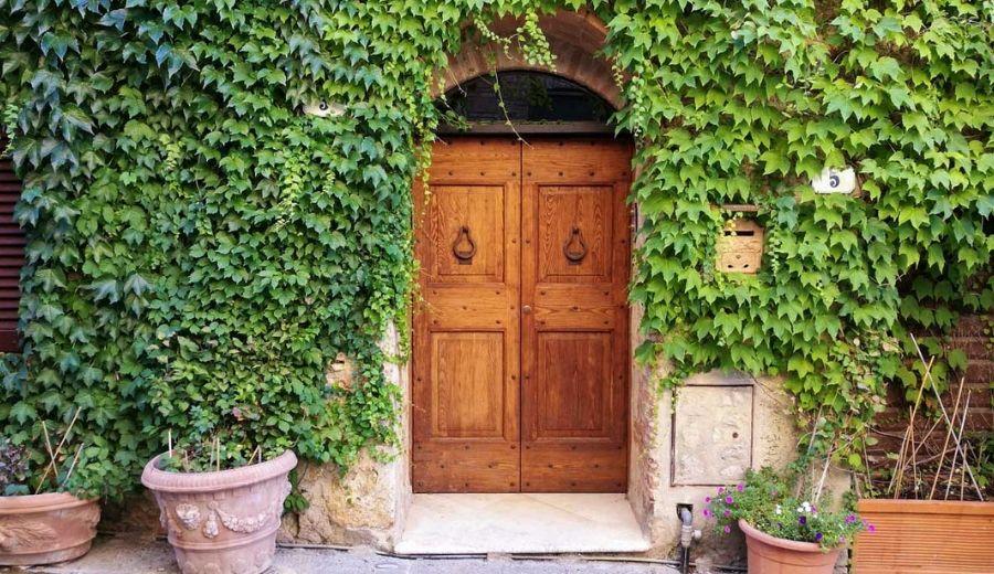 casa nel borgo di monteriggioni