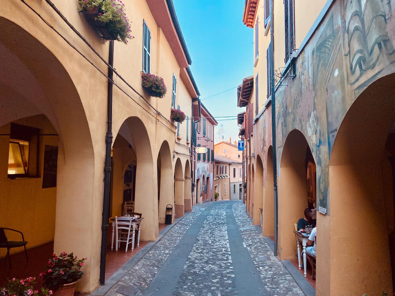 Dozza, il borgo più creativo della Romagna