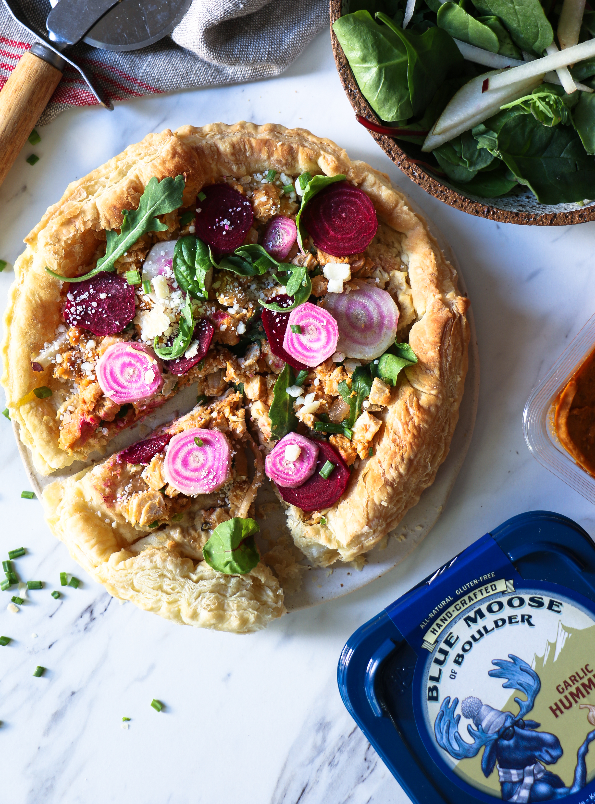 Fall tart- Greek Hummus Chicken with Beet and Pears Salad |foodfashionparty| #autumntart
