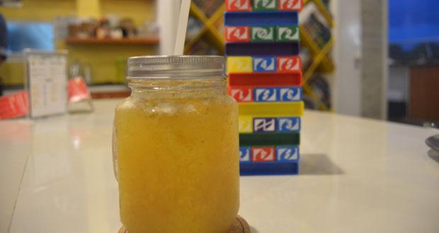 onboard, onbaord game + gastropub, board game cafe, passion cooler, mango juice
