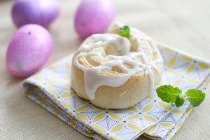 Easter: Recipe for sticky lemony breakfast buns