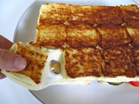 "Grilled Cheese ""Pull-Aparts"""