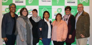 Pictured from the left is Dawn Noemdoe, (Food For Mzansi Editor), Amanda Gouws, (professor of political science and the SARChl Chair in Gender Politics), Maritjie Cornelissen, (Acting Deputy Director of Quality and Transformation Management at the Department of Agriculture for the Western Cape Government), Jacqueline Goliath (CEO of De Fynne Nursery), Alfreda Mars (CEO of Middlepos Farm), Preline Swart (CEO of Swart Boerdery) and Francois Swanepoel (Executive Director: VKB Landbou Vrystaat).