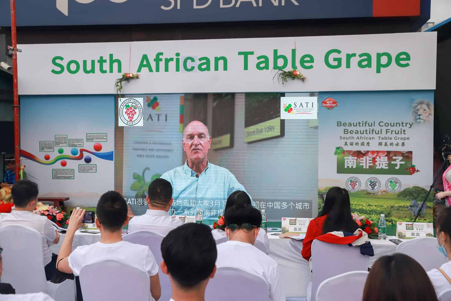Willem Bestbier, chief executive of SATI, addresses the launch of South Africa's table grape campaign in China. Photo: Supplied/Food For Mzansi