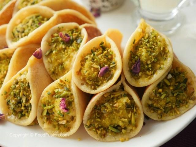 Qatayef dan 4 Makanan Khas Timur Tengah yang Kerap Disajikan Saat Buka  Puasa - Halaman 2 - Tribun Travel