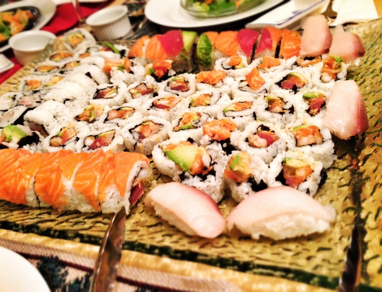 672 JAPANESE SUSHI ROLLS FOR CHRISTMAS