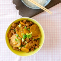 Mom's Chinese Potato and Minced Pork Stew