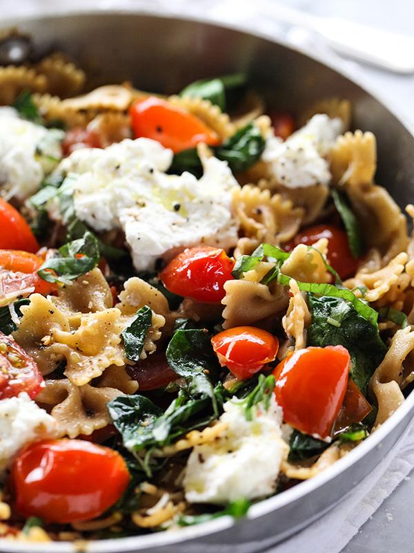Fresh Tomato and Ricotta Whole Wheat Pasta Healthy Dinner Recipe via foodiecrush