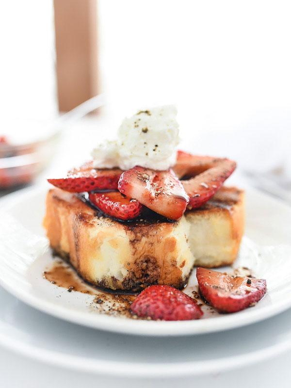 Grilled Strawberry Shortcakes with Balsamic Vinegar | foodiecrush.com #recipe #easy #cake #berries #whippedcream #desserts #strawberries