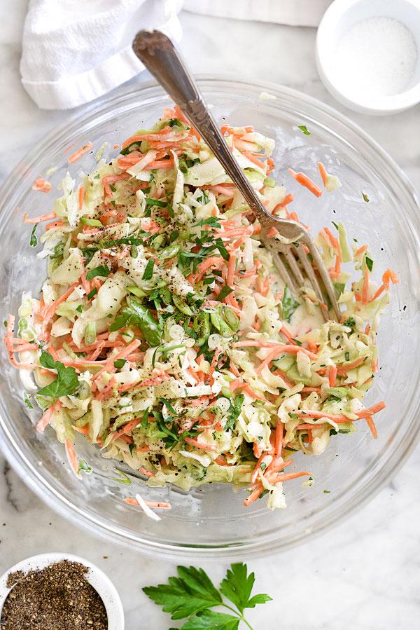 Как сделать лучший сливочный капустный салат | foodiecrush.com рецепт # # выделка #быстро #легко #сливочный