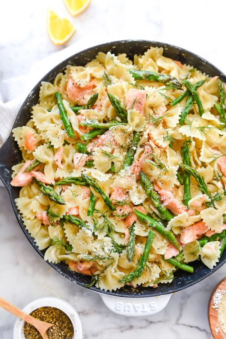 Creamy Bow Tie Pasta with Salmon and Asparagus