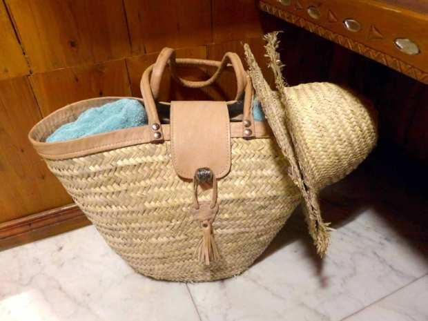 La Sultana - bag with towels and sun hat