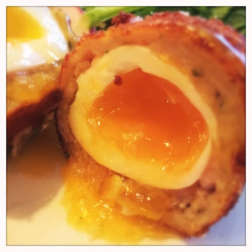 glasgow foodie explorers food travel blog Trading_House_Glasgow_Scotch_Egg_inside