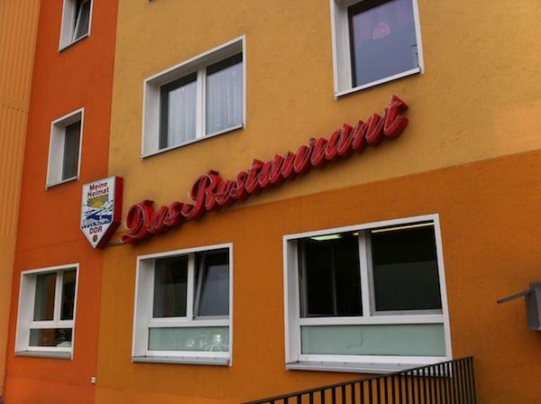 Volkskammer_ostel_berlin_.exterior