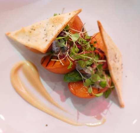 moness_resort_peach salad