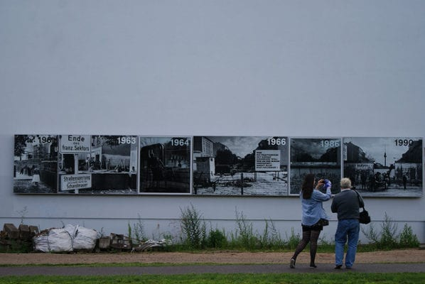 Berlin Wall photo gallery
