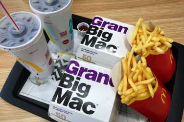 Grand Big Mac McDonalds Glasgow foodie Explorers Glasgow food blog