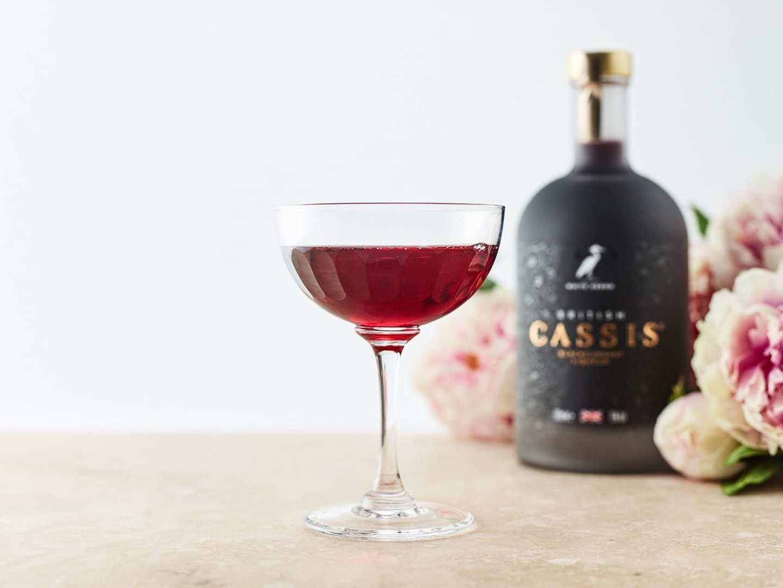 British Cassis British Royale cocktail Kir Royal