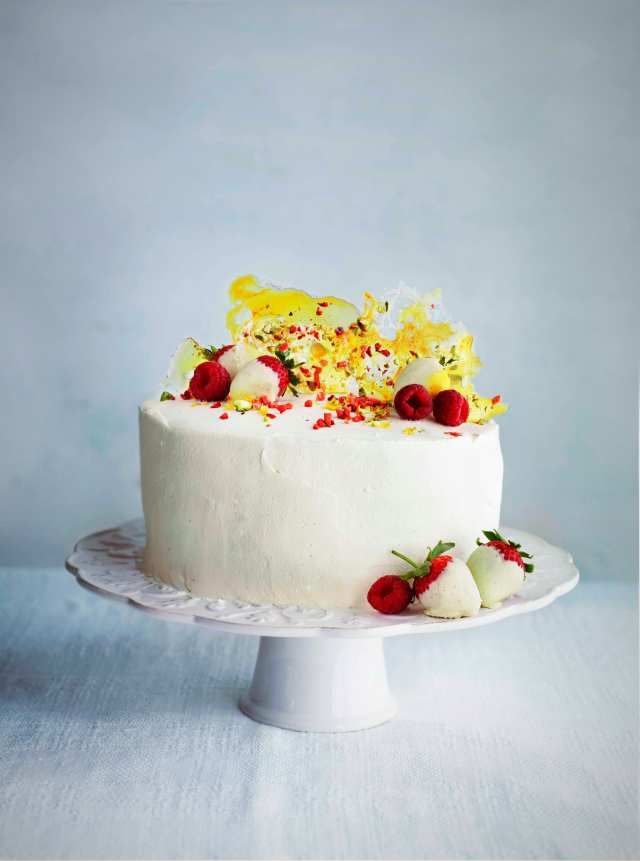 Strawberry Pimms Showstopper from Bonne Maman