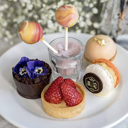 Royal Lancaster London hotel national cupcake week