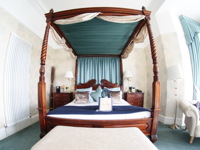 The Headland Hotel - bedroom