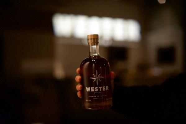Wester Spirit Bottle Lifestyle pic