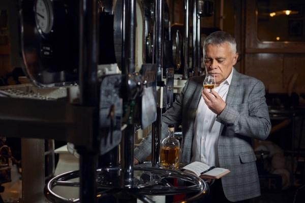 Top whisky maker Max McFarlane joins the Ardgowan Distillery team