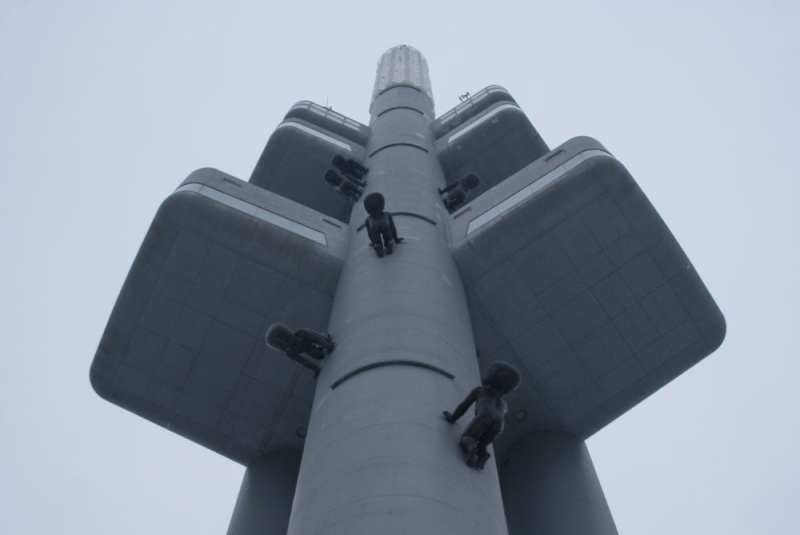 david cerny zizkov tower