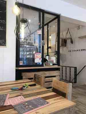 Chez Miss Miaouw Cat cafe inside