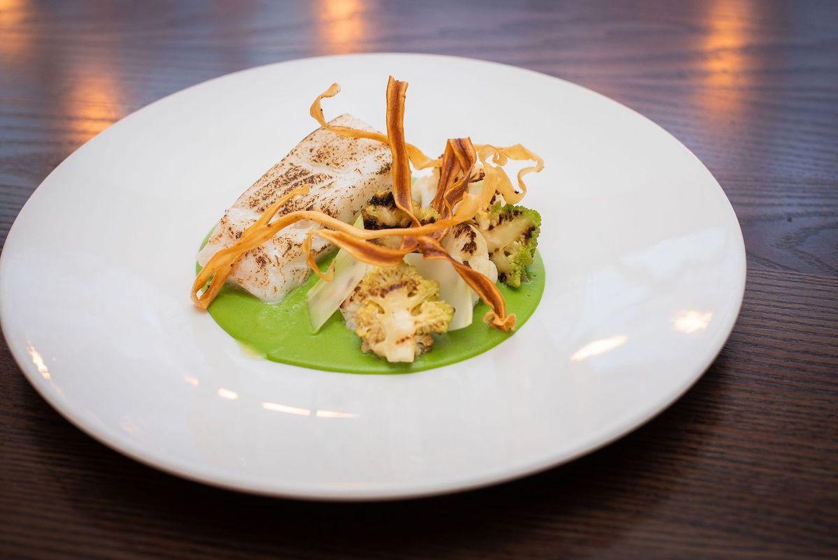 example wedgwood dish