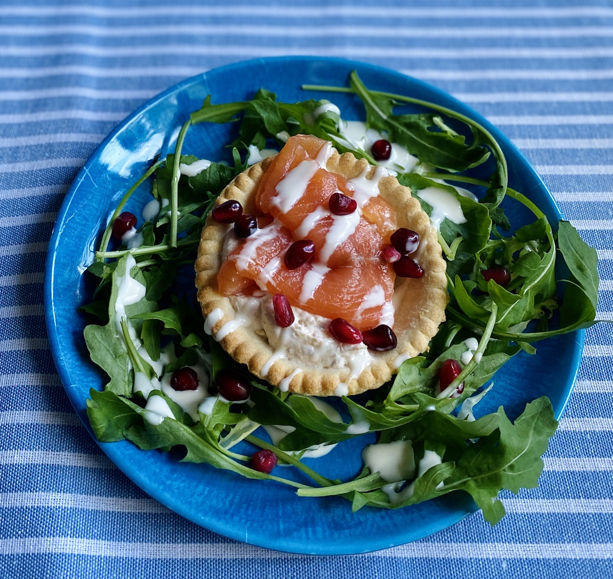Smoked Salmon Salad Red Onion at Home with Itison