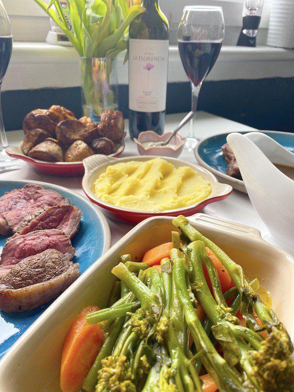 Alston Bar and Beef Sunday Roast Table