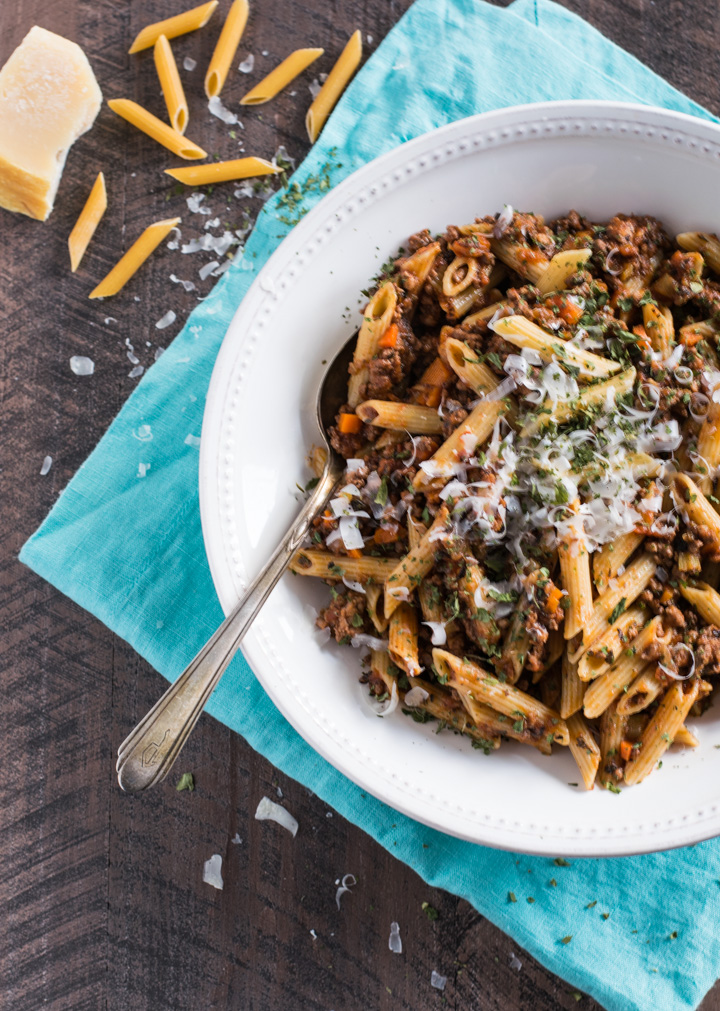 how to make bolognese sauce with pasta