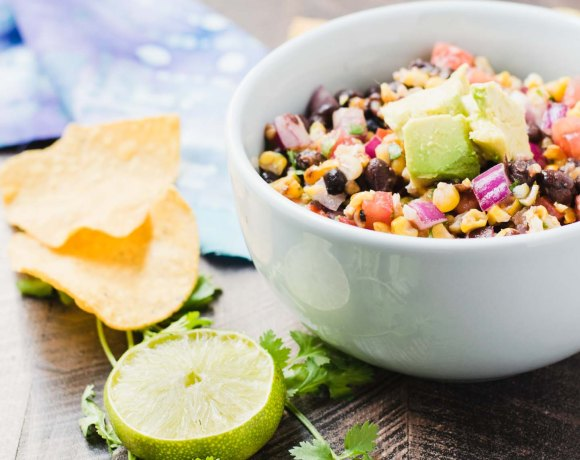 Grilled Corn and Black Bean Salsa: The Perfect Summer Party Dip