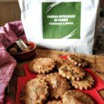 Biscotti salati al farro e erbe aromatiche