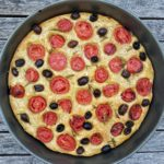 Focaccia pomodorini,olive e rosmarino
