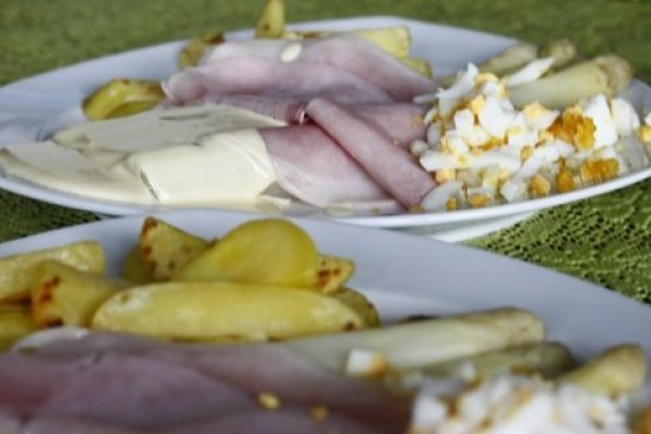 5x asperge recepten asperges met ham en ei