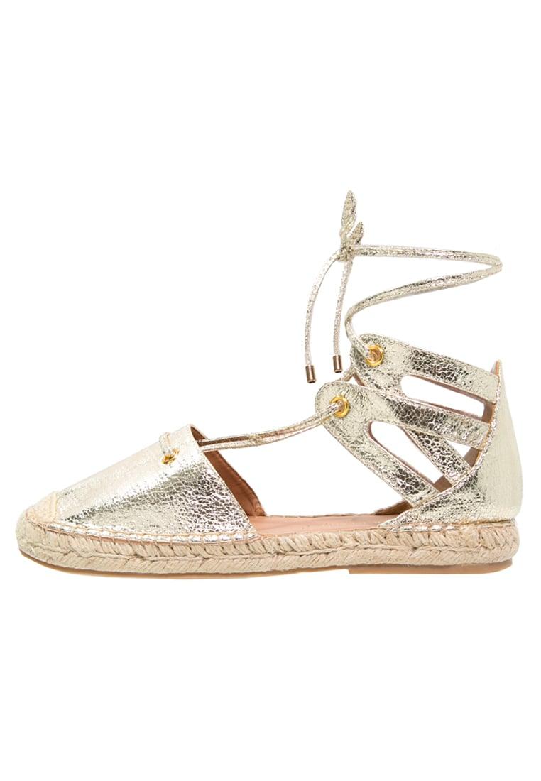 Juli Happy Musthaves blogger favoriete gouden espadrille sandaaltjes