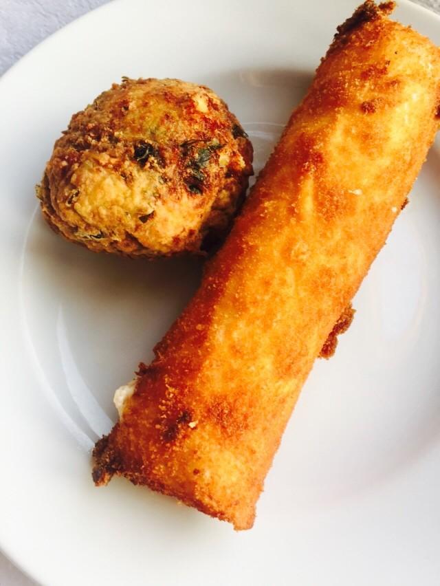 Courgetteballetjes en fetakroketjes bij Irinis Naxos Chora Griekenland Foodblog Foodinista