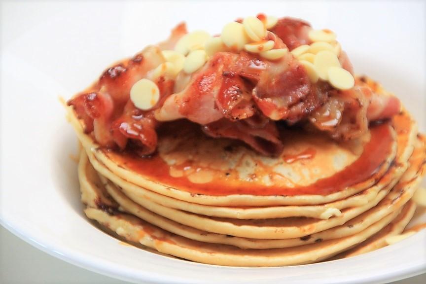 American Pancakes met witte chocolade en bacon recept van Foodblog Foodinista
