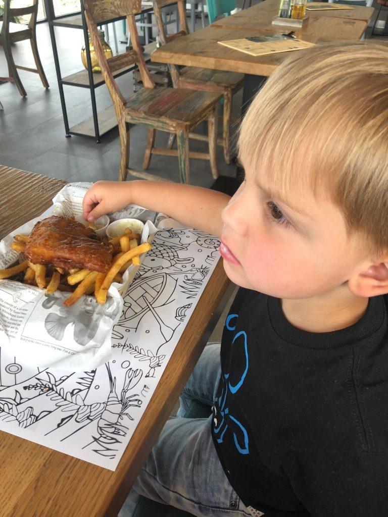 Fish and chips bij Seafarm Seafood Proeverij restaurant kindermenu Foodblog Foodinista