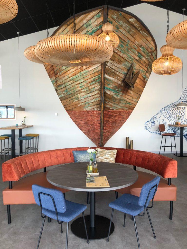 Inrichting bij restaurant Seafarm Seafood Proeverij oosterscheldekering in Zeeland tips Foodblog Foodinista